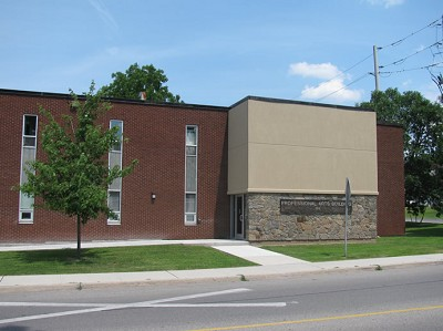 exterior view - 135 Ormond Street Brockville office space for lease